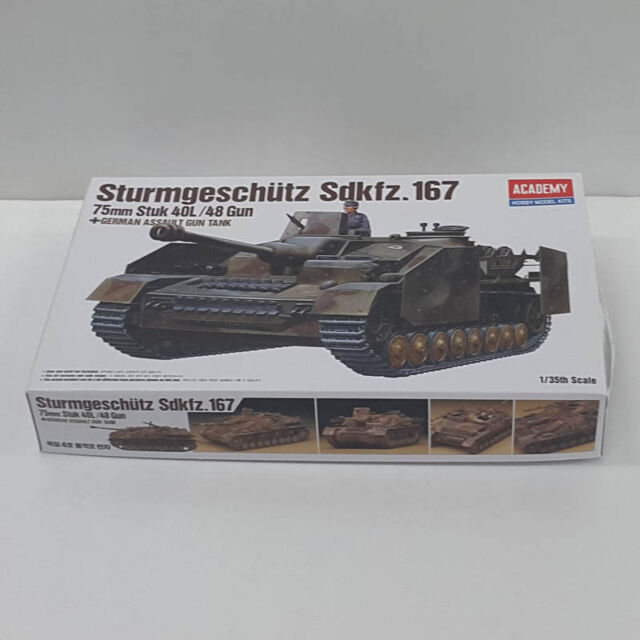 Academy 1/35 Plastic Model Kit Sturmgeschutz Sdkfz.167 German Assault Tank 13235