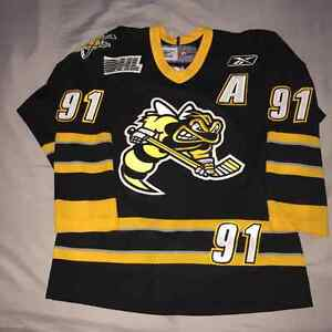 SIGNED SARNIA STING STEVEN STAMKOS JERSEY YOUTH XL