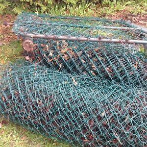 clôture en métal recouverte de plastique