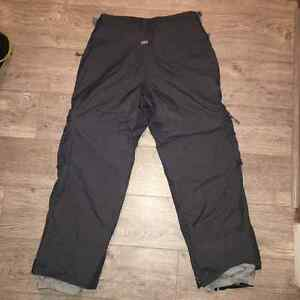 686 Snowboard Pants - Charcoal Grey, size M (Medium), Excellent North Shore Greater Vancouver Area image 2