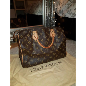 3d79cd67a8f6f Woman s like new Louis Vuitton Speedy 30 With Dust Bags.
