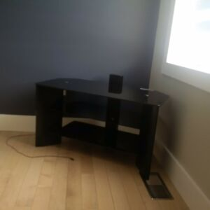 A nice, quality table for tv