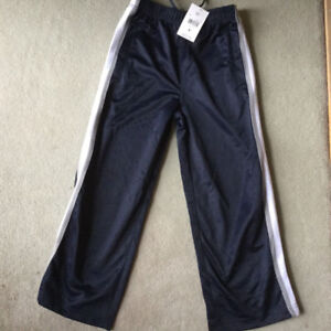 BRAND NEW ATHLETIC PANT SIZE 6