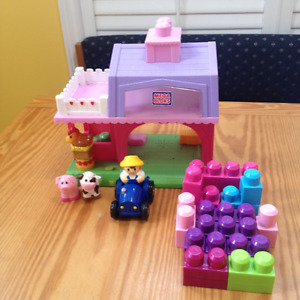 Mega Bloks Lego Pink Farm Barn with sound