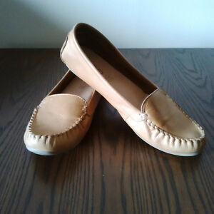 Aldo Leather Moccasin style Ballet Flats
