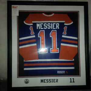 Framed Mark Messier Jersey