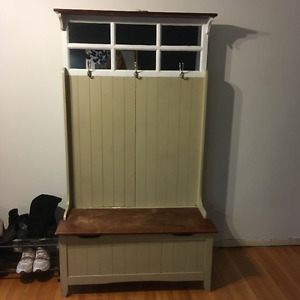 Entry coat and boot/shoe hutch