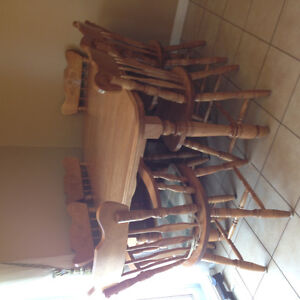 Dining room table & 6 chairs