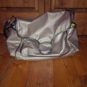 Sac a couche a vendre / Diaper bag for sell Gatineau Ottawa / Gatineau Area image 3
