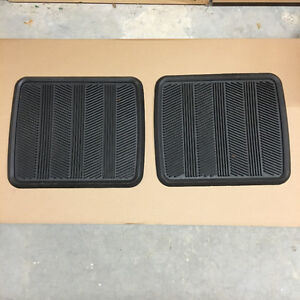 Pair of Heavy Duty Floor Mats for Back of Cars SUV Trucks Pants