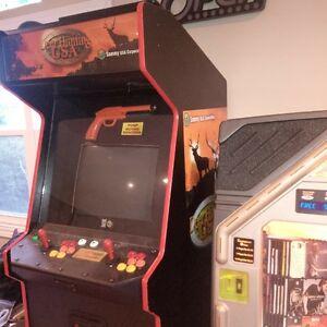 Arcade Cabinet (pinball)