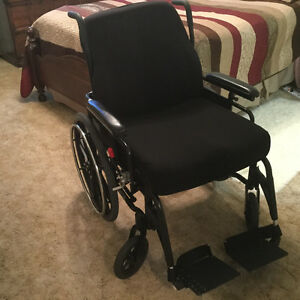 Wheelchair Extra clean . Barely used. Kitchener / Waterloo Kitchener Area image 1