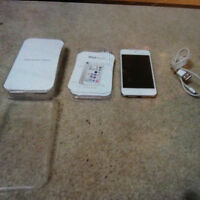 Barely Used Excellent condition iPod Touch 5 Silver.