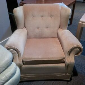 CHAIR - Accent Chair / Club Chair North Shore Greater Vancouver Area image 1