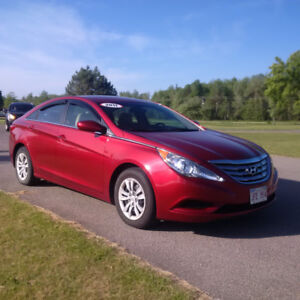 2011 Hyundai Sonata, Clean Carproof, New MVI, Low KMS!