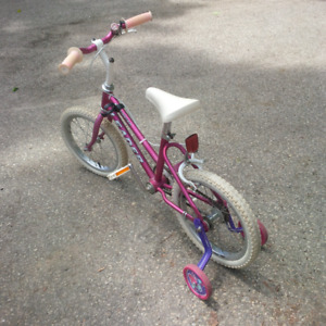 """Girls BIKE / BICYCLE - Wheel size 15"""" - Great Condition"""