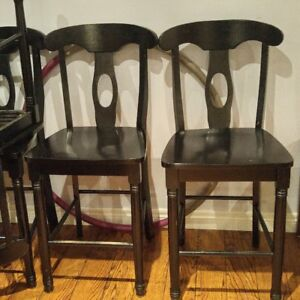 Pub height table and 6 chairs
