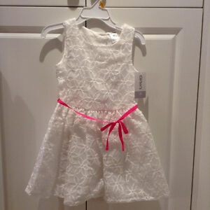 PRETTY WHITE DRESS WITH PINK BOW, BRAND NEW! SIZE 3T