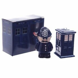 Novelty Police Box and Policeman Salt and Pepper Set - Chatham