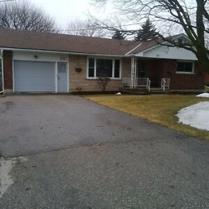 BUNGALOW IN ST JACOBS within walking distance of down town