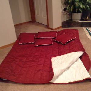 Queen Size Professional Made Quilt and Cushions