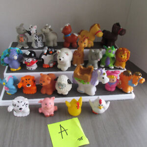 FISHER PRICE LITTLE PEOPLE FIGURINES ANIMAUX LOT 25