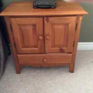Chairside Table London Ontario image 1