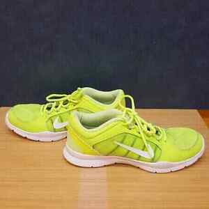 Nike Womens Running Shoes Size 10 Downtown-West End Greater Vancouver Area image 3