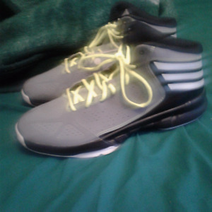 size 12 adidas basketball shoes never been used