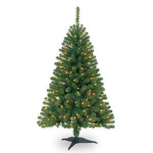 Christmas Tree, Pre-Lit Hillside Tree, 4 feet, As-New