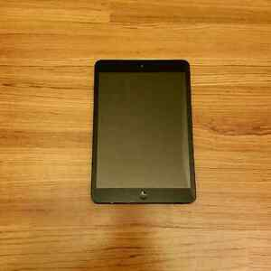 16GB iPad Mini (1st Generation)
