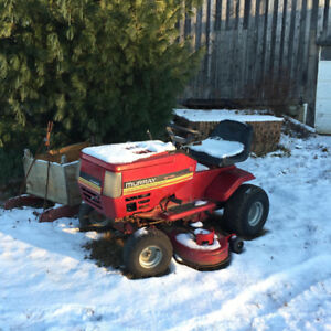 18HP Murray Lawn Tractor