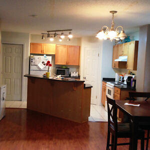 AVAILABLE NOW! GREAT LOCATION! JUST OFF WHYTE AVE AND MINUTES AW