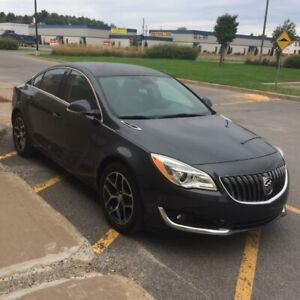 Buick Regal Sport Touring 2017, seulement 4500km, 27000$