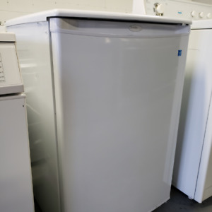 IRIA - Executive Fridge Danby White - (647) 352-5008