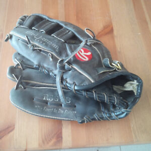 Used Right-hand Catch Baseball Glove