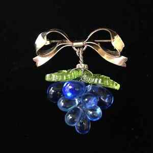 Antique, vintage and costume jewelry