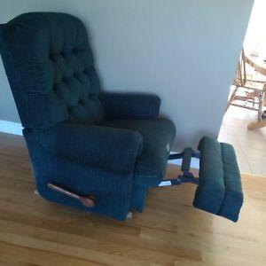 La-Z-Boy brand recliner -  great condition