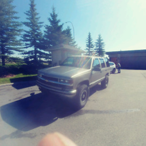 1999 Chevy Tahoe GOOD CONDITION