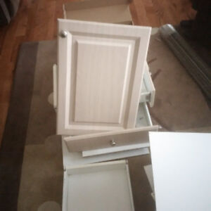 Kitchen Doors and Drawers for Sale