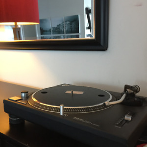 Technics SL-1200MK2 Turntable - Record Player for Sale