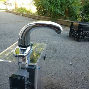 """tap free """"touch"""" faucet Cornwall Ontario image 1"""