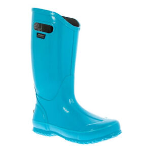 NEW!!  Girls or Ladies bogs size 6, fits more like a 5 1/2