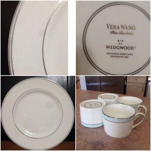 Vera Wang,Blue Duchesse 4X teacups & 2 X dinner plates