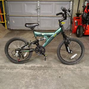 """Boys Mountain Bike - 18"""" Wheels"""