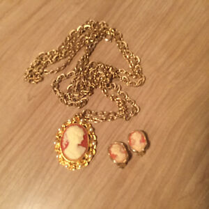Vintage cameo set for sale