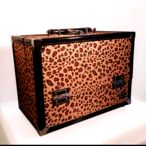 Caboodles Make Me Over Train Case - Cheetah Print *BRAND NEW*