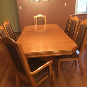 Dining Table, China Cabinet, 8 Chairs, EXCELLENT Condition