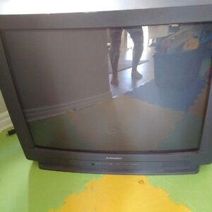"1995 Mitsubishi 30"" TV Works Great!"