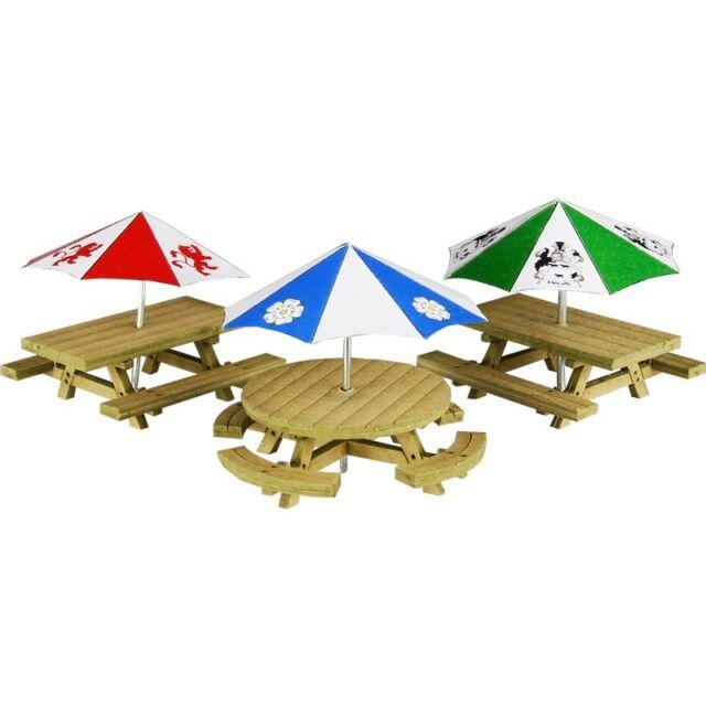 Picnic tables - OO/HO Card kit – Metcalfe PO510 - Free Post